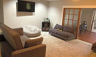 Living Room, Ave, 2