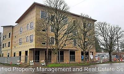 Building, 990 Broadway St NE, 0