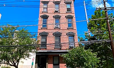 Building, 550 2nd St 4, 2