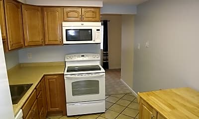 Kitchen, 245 Greenfield Ct, 1