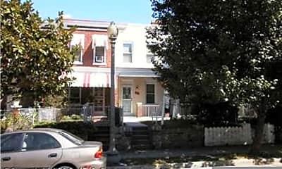 Building, 249 14th Pl NE, 2