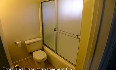 Bathroom, 4552 1/2 N Lakewood Blvd, 2