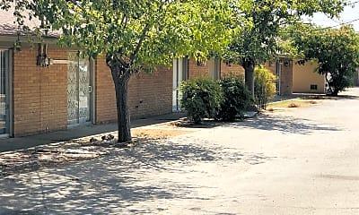 Building, 2320 E 21st St, 2