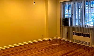 Living Room, 751 E 80th St, 2
