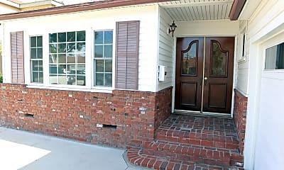 Patio / Deck, 4010 W 176th St, 1