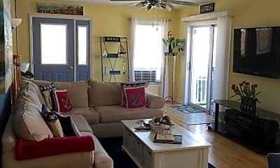Living Room, 700 SE Central Ave, 1
