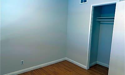 Bedroom, 810 Silver Fir Rd, 2