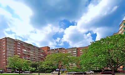 Building, 100 Memorial Drive Apartments, 2