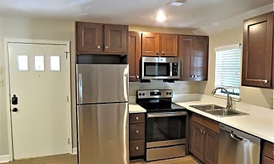Kitchen, 516 E 8th St, 1