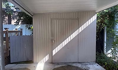 Patio / Deck, 2409 W Stroud Ave, 2