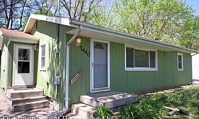 Building, 7440 Southview Dr, 0