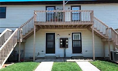 Building, 925 Georgetown Dr, 2