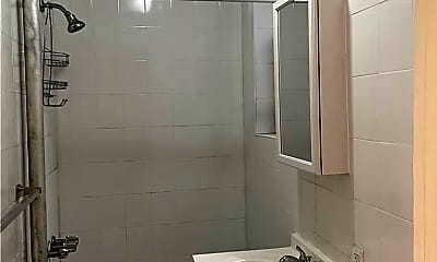 Bathroom, 562 Seneca Ave 2R, 2