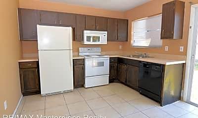 Kitchen, 614 SW Bridgeport Dr, 1