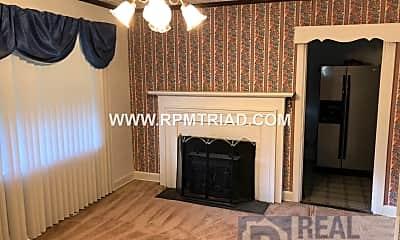 Bedroom, 733 W 25 1/2 St, 1