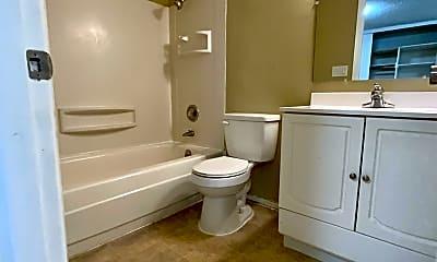 Bathroom, 333 Vuemont Pl NE, 2