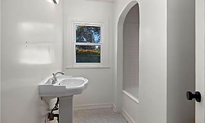 Bathroom, 1842 S Redondo Blvd, 2