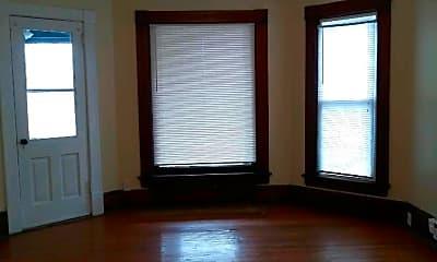 Bedroom, 136 N Longwood St, 1