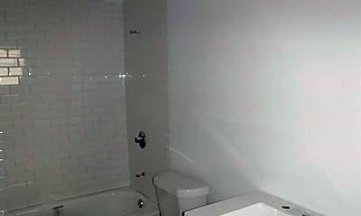 Bathroom, 2315 Gilford St B, 2