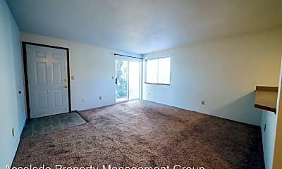 Living Room, 808 Juniper Ave, 2