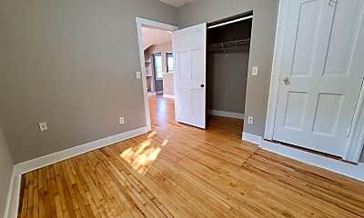 Living Room, 441 Lynnhurst Ave West, 1