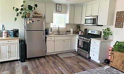 Kitchen, 928 Bilton Way, 1