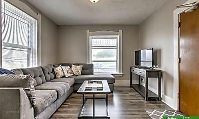 Living Room, 118 N 30th St 2, 1