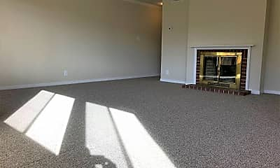 Living Room, 370 32nd Ave, 1