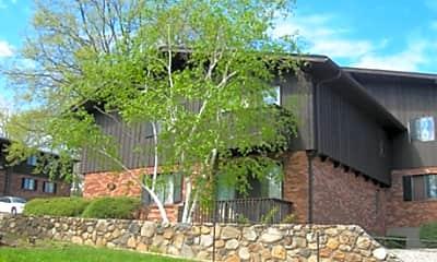 Fenn-Woode Apartments, 2
