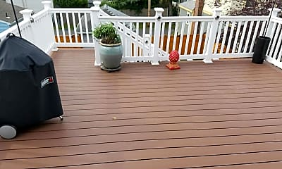 Patio / Deck, 1102 5th Ave 2, 2