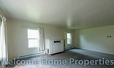 Living Room, 36 NE Ash Ave, 1