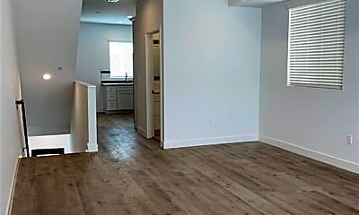 Living Room, 4933 1/2 W Maplewood Ave, 0