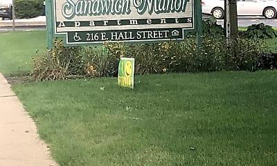 Sandwich Manor, 1