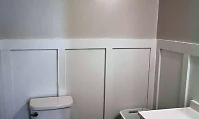 Bathroom, 409 Ketner Blvd, 2