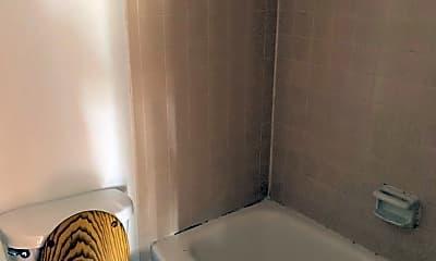 Bathroom, 1301 High St, 2