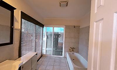 Bathroom, 2369 St Thomas St, 2