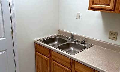 Kitchen, 321 Grove City Rd, 1