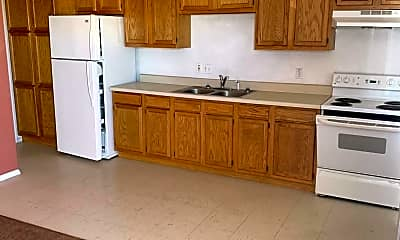 Kitchen, 4015 N Montezuma Dr B, 1