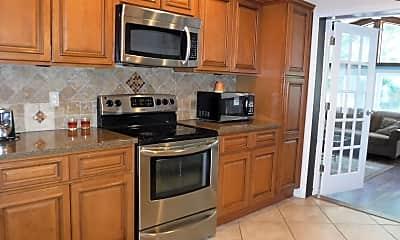 Kitchen, 3063 S Peninsula Dr, 1