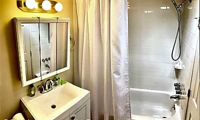 Bathroom, 5500 Palos Verdes Dr S, 2