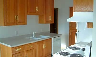 Summerfield Apartments, 2