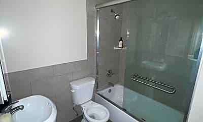 Bathroom, 916 Marguerita Ave, 2