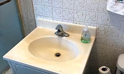 Bathroom, 5116 W Belden Ave, 2