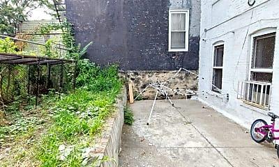 Building, 782 E 214th St, 0