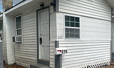 220 39th St N, 0