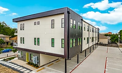 Building, 3137 Lubbock Ave, 2