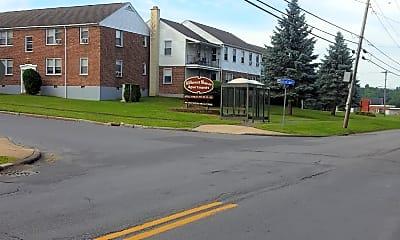 Hillcrest Manor Apartments, 1