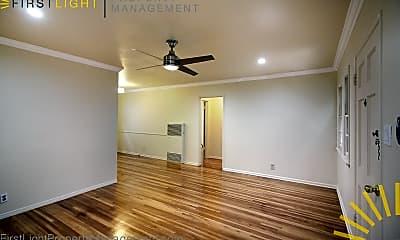 Living Room, 3352 Mentone Ave, 2