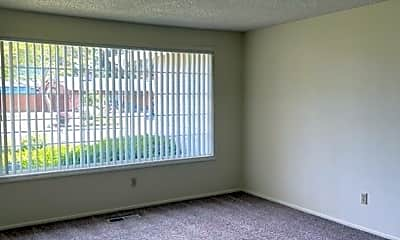 Living Room, 473 Glynbrook St N, 1