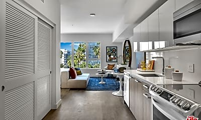 Living Room, 2801 Sunset Pl 153, 1